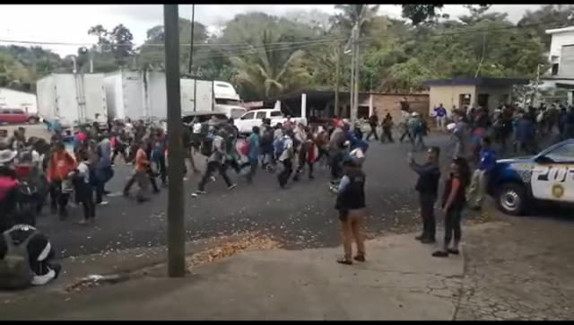 Cientos de migrantes hondureños ingresaron a Guatemala