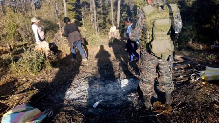 SAN MARCOS Militares vigilan el bosque municipal.